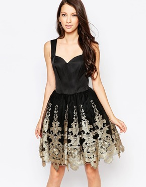 photo Ashley Roberts for Key Collections Majestic Prom dress with Full Skirt, color Black - Image 1