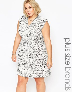 photo Plus Size Mallala dress In Animal Print by Carmakoma, color Yellow Stone - Image 1