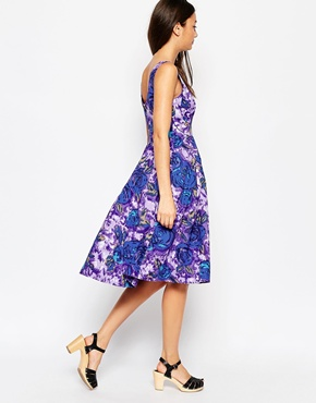photo Emily & Fin Isobel Dress In Floral Print, color Purple - Image 2