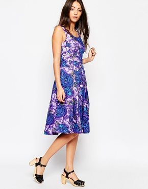 photo Emily & Fin Isobel Dress In Floral Print, color Purple - Image 1