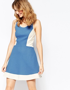 photo Colourblock Fit and Flare Dress by Harlyn, color Blue White - Image 1