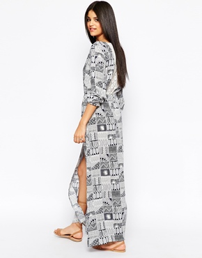 photo Printed Maxi Dress by Hazel, color Navy - Image 2