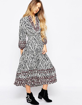 photo V Neck Printed Midi Dress by Hazel, color Navy - Image 1