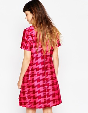 photo Gingham Panel Dress by House of Holland, color Pink - Image 2