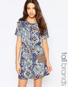 photo Drawstring Waist Shift Dress In Azure Glass Print by Influence Tall, color Multi - Image 1