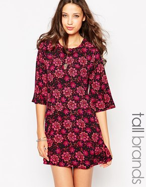 photo Flute Sleeve Shift Dress by Influence Tall, color Polly Floral Print - Image 1