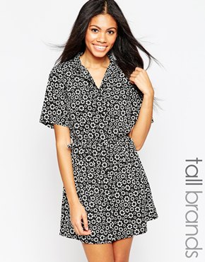 photo Shirt Dress with Waist Tie In Ditsy Daisy Print by Influence Tall, color Black - Image 1