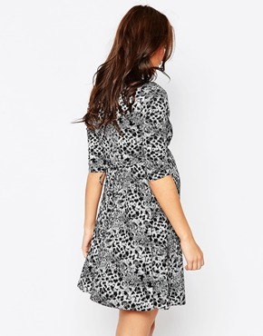 photo Animal Print Jaquard Jersey Maternity Skater Dress by Kate Thomas, color Black White - Image 2