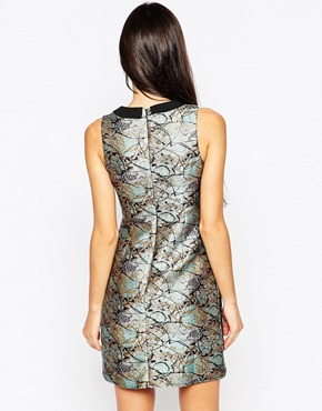 photo Jacquard Dress with Contrast Collar by Lashes of London, color Black Gold - Image 2