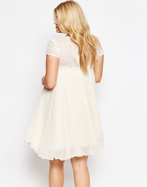 photo Swing Dress with Lace Neckline by Lipstick Boutique Plus, color Cream - Image 2