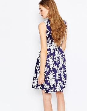 photo Sadirah Fit and Flare Dress by Poppy Lux, color Navy White - Image 2