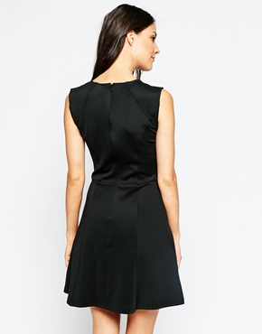 photo Theodora Dress with Necklace Detail by Poppy Lux, color Black Gold - Image 2