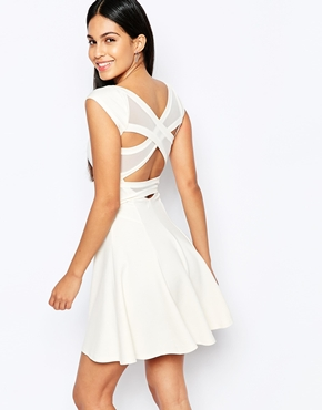 photo Skater Dress with Cross Back by Quontum, color Cream - Image 2