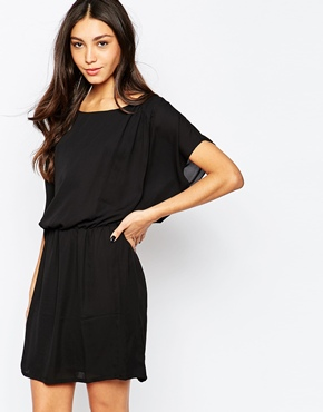 photo Batwing Dress by Soaked in Luxury, color Black - Image 1