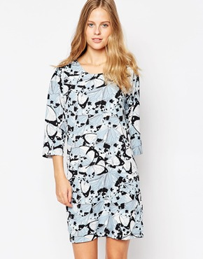 photo Printed 3/4 Sleeve Dress by Soaked in Luxury, color 907 Pattern - Image 1