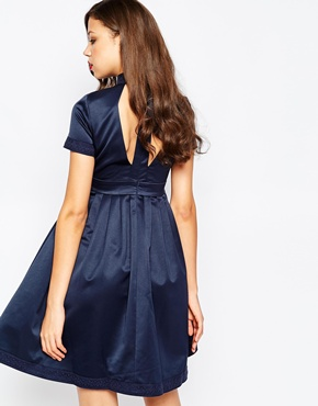 photo Minnie Skater Dress with Plunge Neck by STUDIO 75 Tall, color Navy - Image 2