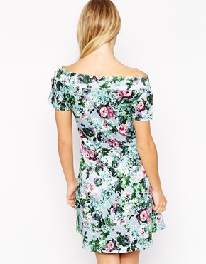 photo Bardot Skater Dress in Floral by Style London, color Green - Image 2