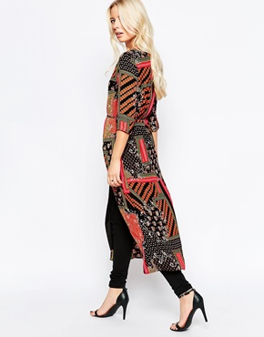 photo Longline Tunic with Zip Front In Scarf Print by Style London, color Red Black - Image 2