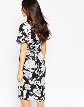 photo Midi Tea Dress In Vintage Floral Print by Style London, color Black - Image 2