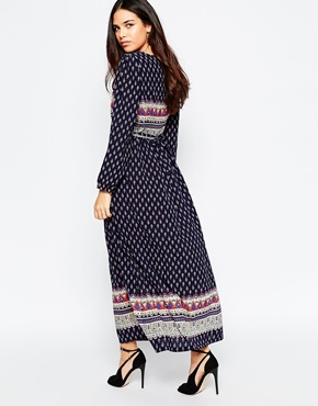 photo Tea Maxi Dress In Boarder Print by Style London, color Navy - Image 2
