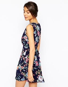 photo Wrap Front Dress in Floral Print by Style London, color Navy - Image 2