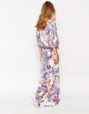 photo Twisted Muse Batwing Midi Dress, color Reef Print - Image 2