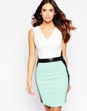 photo Midi Dress with V Neck and Contrast Waisband and Panels by Hybrid, color Mint Ivory Black - Image 1