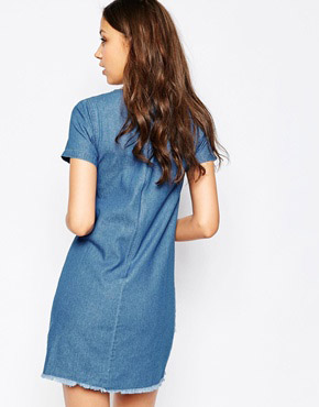 photo Raw Edge Detail Shift Dress by Influence Tall, color Light Denim - Image 2