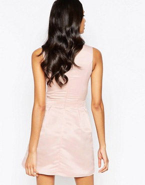 photo Dress with Waist Detail and Cut Out by Laced In Love, color Nude - Image 2