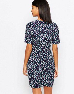 photo Vayda Tulip Dress In Floral Print by Poppy Lux, color Navy - Image 2