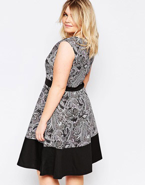 photo Skater Dress with Contrast Band In Paisley Print by Praslin Plus, color Multi - Image 2
