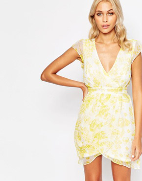 Silk Whisper Dress In Leaf Print By Traffic People Yellow