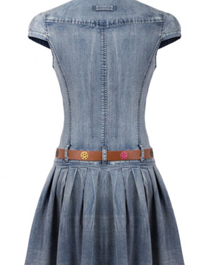 photo Flattering Solid Cap Sleeve Buttoned Denim Dress by OASAP, color Blue - Image 2