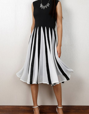 photo Gorgeous Cutout Color Block Skater Dress by OASAP - Image 11