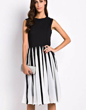 photo Gorgeous Cutout Color Block Skater Dress by OASAP - Image 4