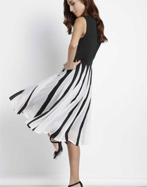 photo Gorgeous Cutout Color Block Skater Dress by OASAP - Image 8