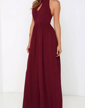 photo Halter Cut-out FronT-Backless Maxi Chiffon Dress by OASAP - Image 4