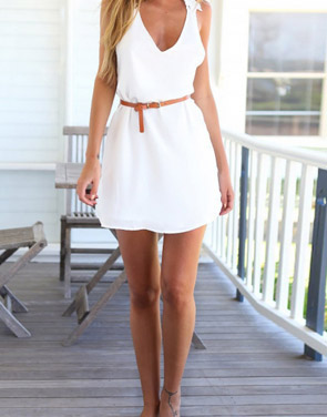 photo White Floral Crossover Back Mini Dress by OASAP, color White - Image 3