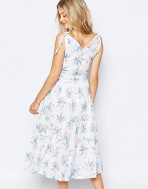 photo Boomerang Dress by Family Affairs, color Feather Print - Image 2