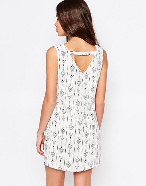photo Dream Team Shift Dress In Arrow Print by Goldie, color Ivory - Image 2