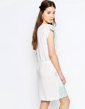 photo Pastel Embroidered Smock Dress by Hazel, color White - Image 2