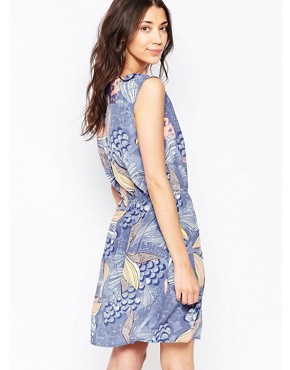 photo Tropical Floral Print Shift Dress by Ichi, color Blue - Image 2