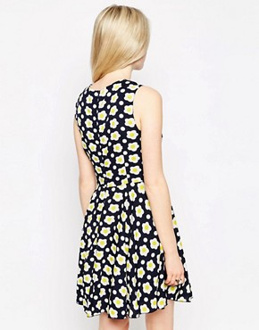 photo Daisy Print Dress with Collar by Iska, color Navy - Image 2