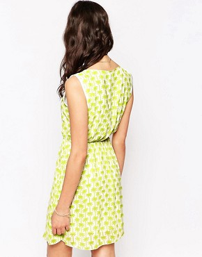 photo Palm Print Dress with Collar by Iska, color Green - Image 2