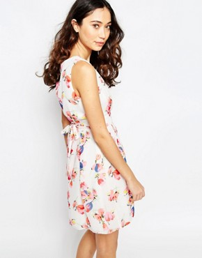 photo Wrap Front Dress in Tulip Print by Iska, color Pink - Image 2
