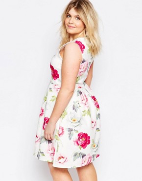 photo Plus Size Skater Dress In Floral Print by Praslin, color White Floral - Image 2