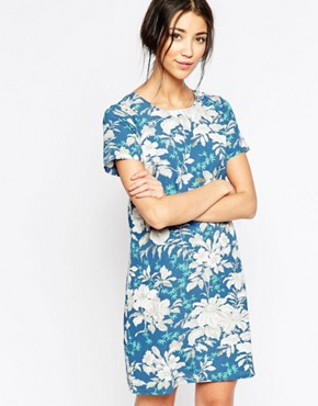 photo Shift Dress In Hawaiian Floral Print by Sugarhill Boutique, color Blue - Image 1