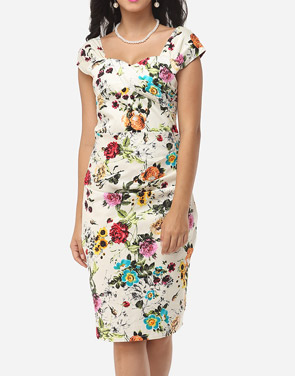 photo Floral Printed Charming Sweet Heart Bodycon Dress by FashionMia, color White - Image 2
