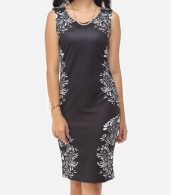 photo Printed Courtly V Neck Bodycon Dress by FashionMia, color Black - Image 2