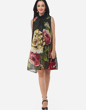 photo Floral Printed Courtly Shift Dress by FashionMia, color Black - Image 2